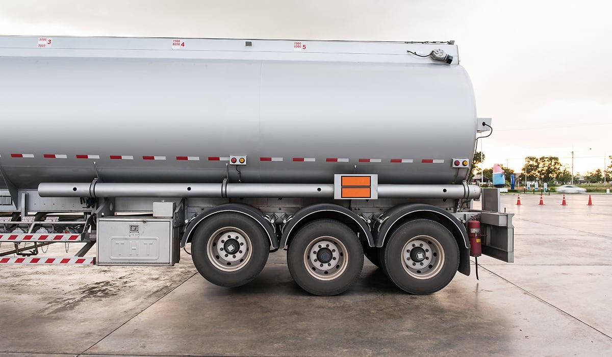 Transfer Pavement Sealer from Bulk Tanker or DIY