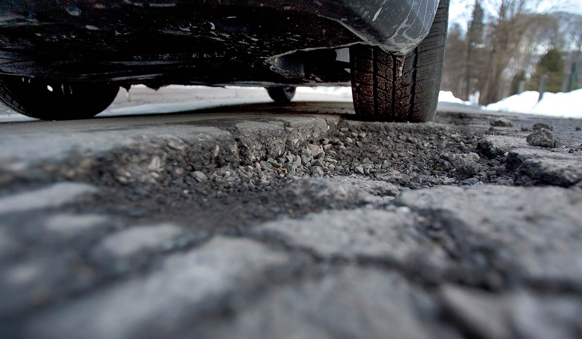 Three Ways to Perform Emergency Asphalt Repair in Winter