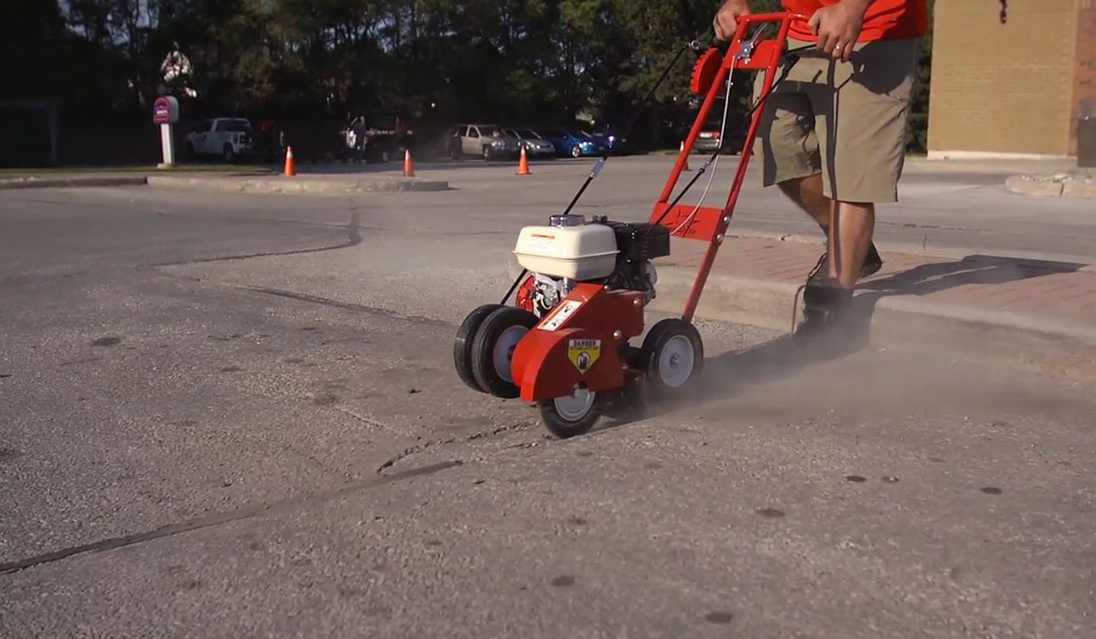 Asphalt Crack Cleaning Tools and Equipment For Surface Prep